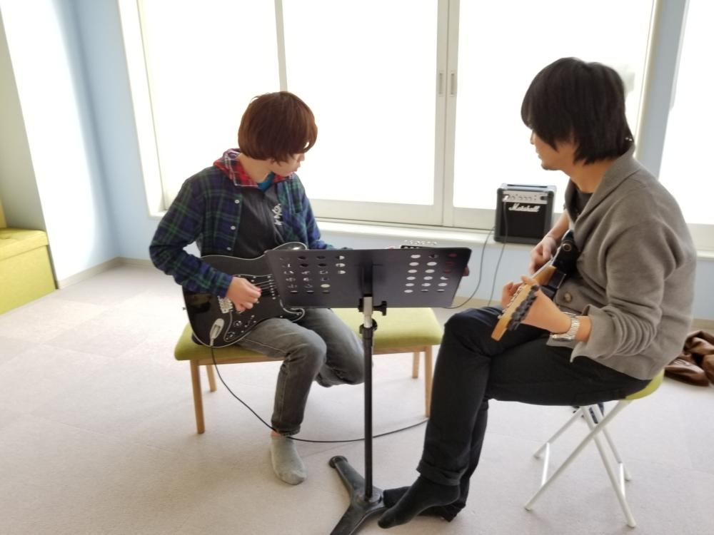大阪 豊中 吹田のギター(エレキギター・アコースティックギター)教室