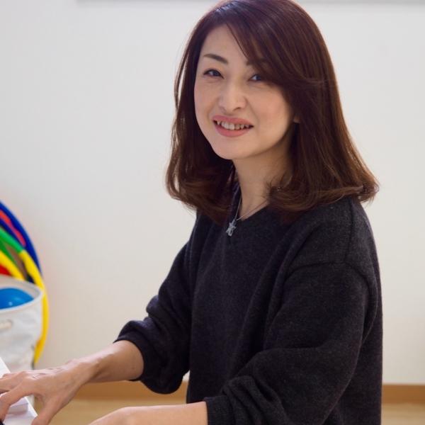 ポピュラーピアノ・リトミック講師 吉田 有香先生