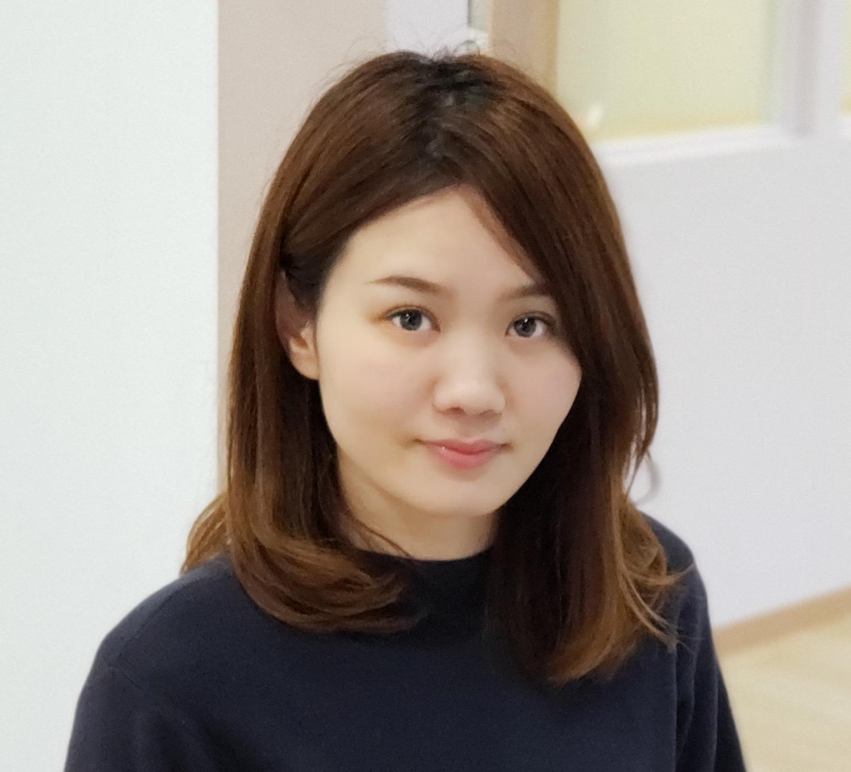リトミックとピアノ講師の中村水彩紀先生