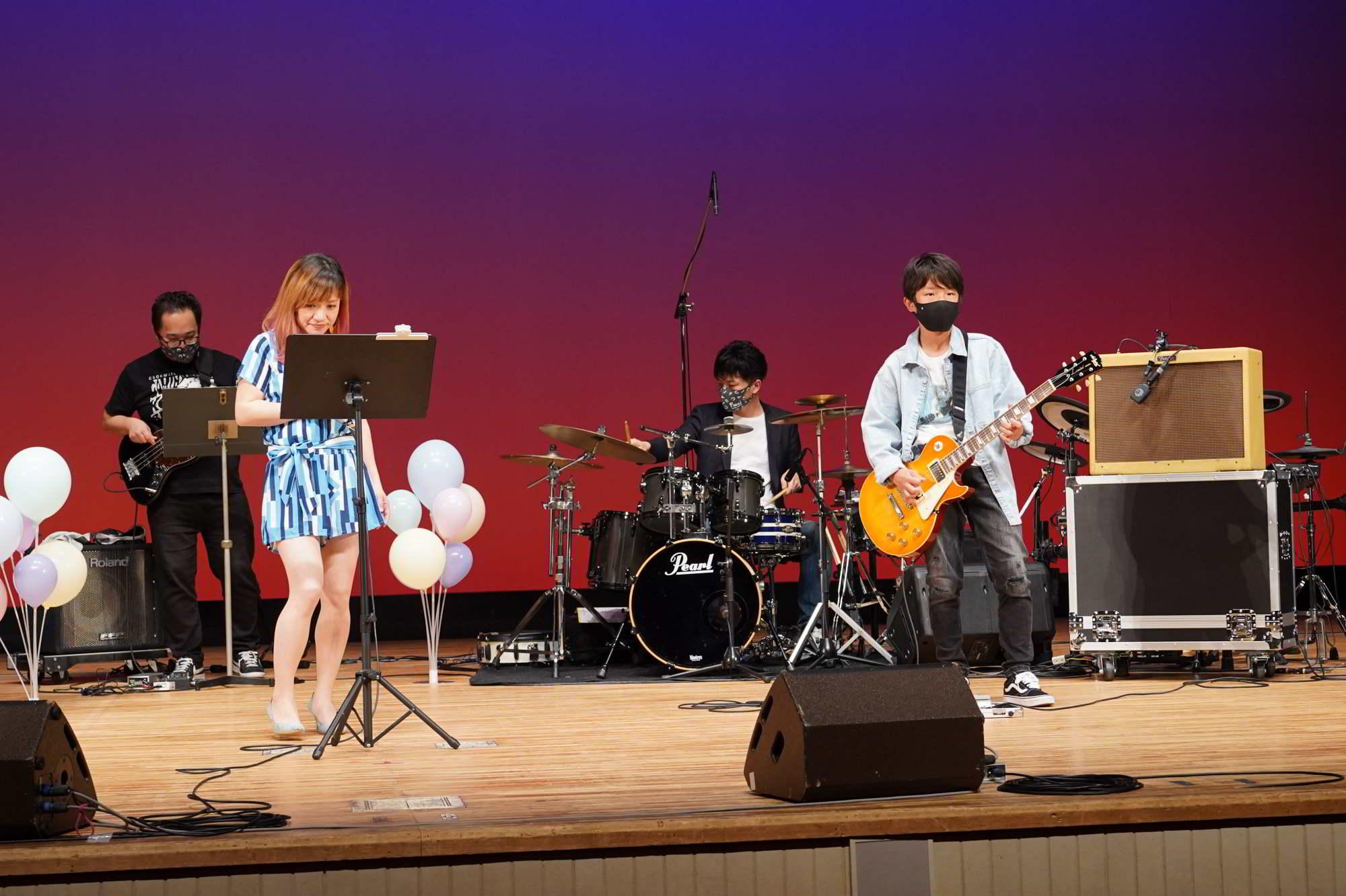 Fucciミュージックスクール発表会中高生一般の演奏ステージ