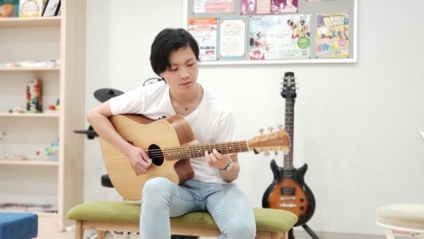 ギター講師 白川 翔也